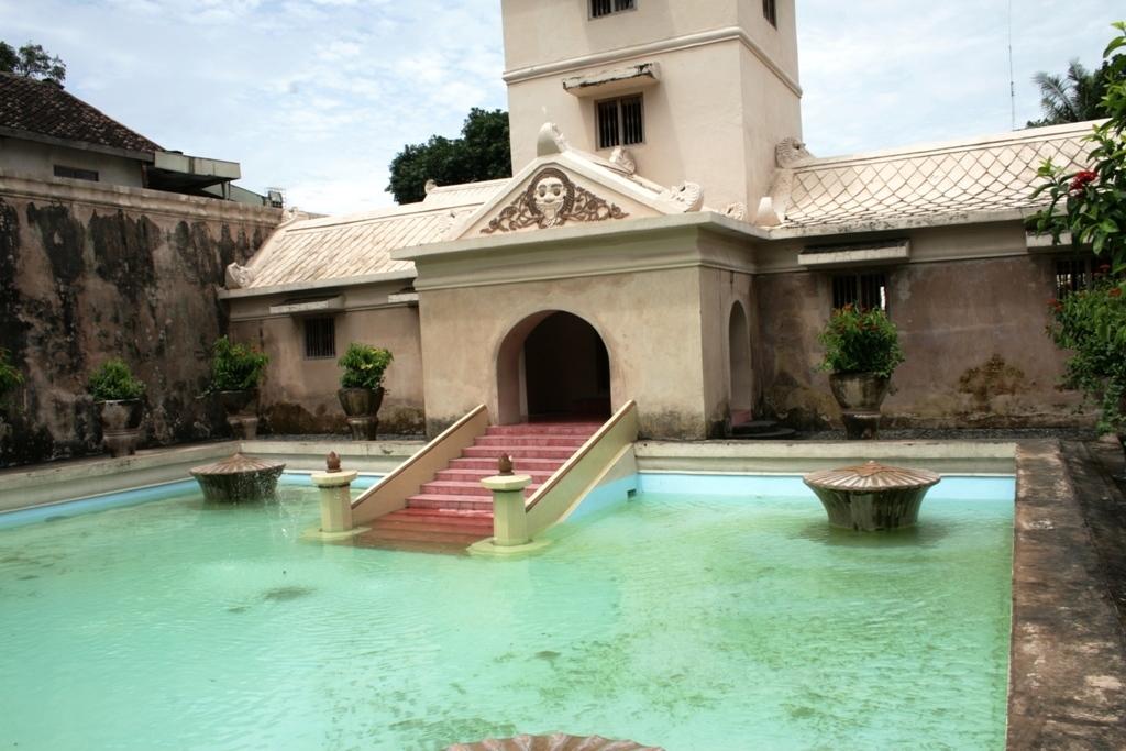 Water Castle Tamansari Yogyakarta Attraction Copy Danumurthi Mahendra Taman Sari