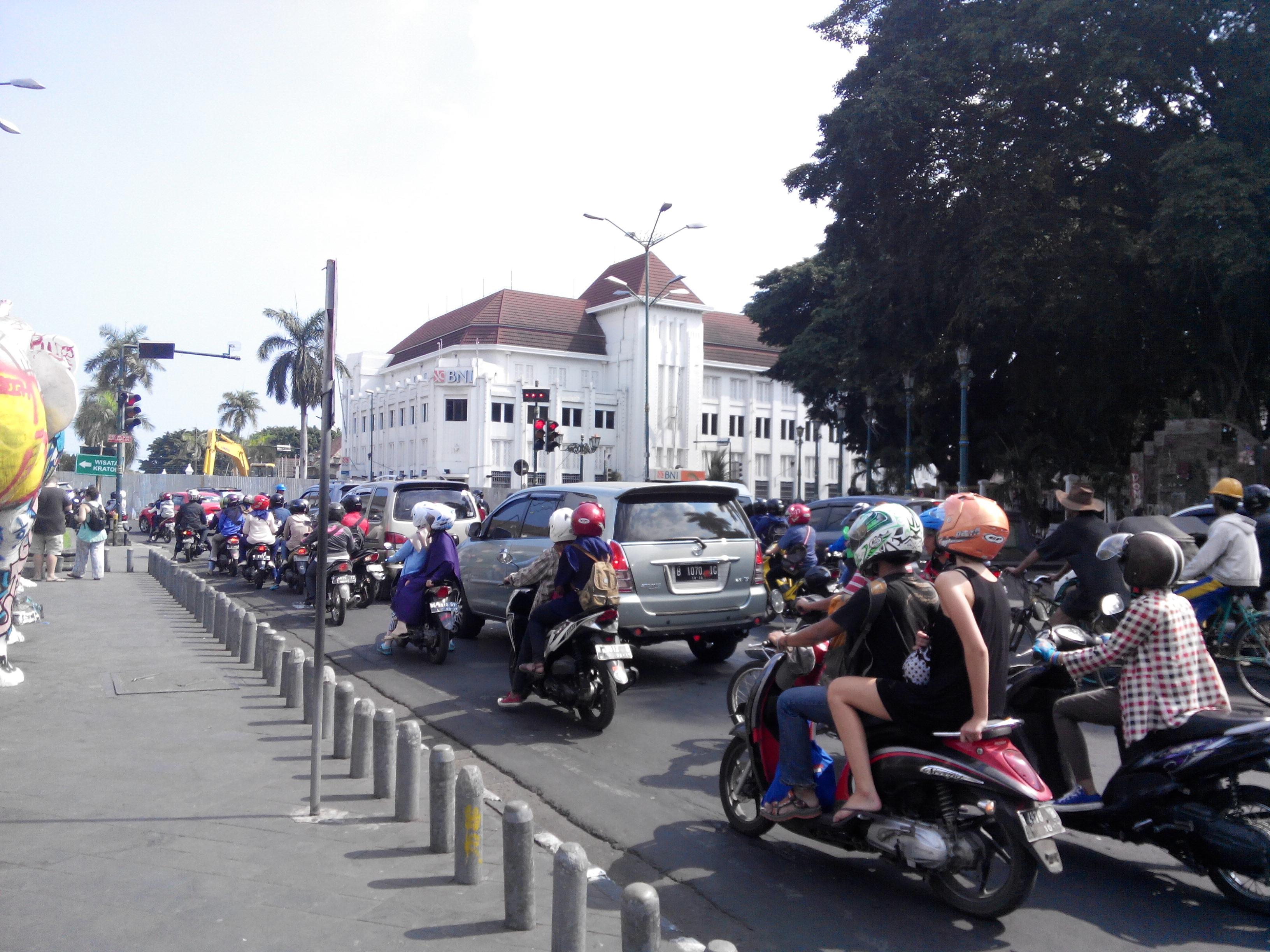 Hancurnya Titik Nol Kilometer Yogyakarta Oleh Iqbal Maulana Img 20150906
