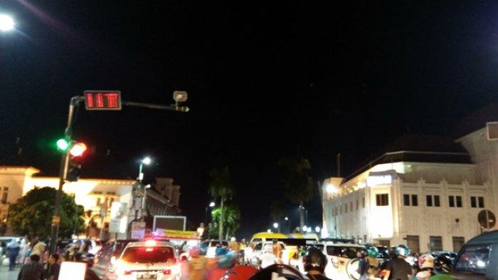 Senin Malam Titik Nol Kilometer Yogyakarta Terpantau Padat Tribun Km