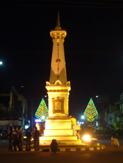 Pesona Malam Tugu Yogyakarta Seputar Jogja Kota