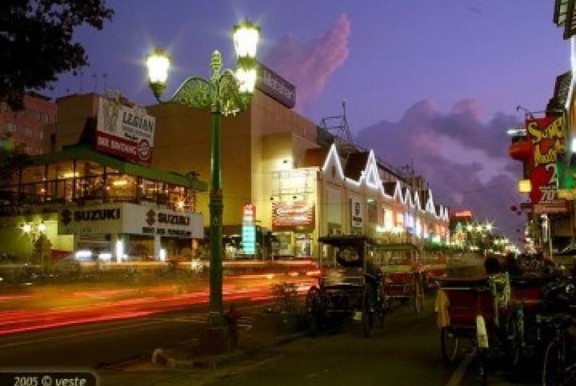 Tugu Batas Yogyakarta Dibongkar Republika Online Suasana Malam Ilustrasi Kota