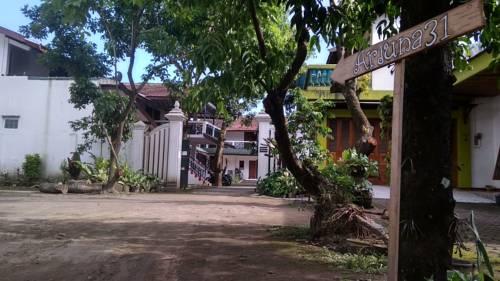 Arjuna 31 Prices Photos Reviews Address Indonesia Hotel Unit Galeri