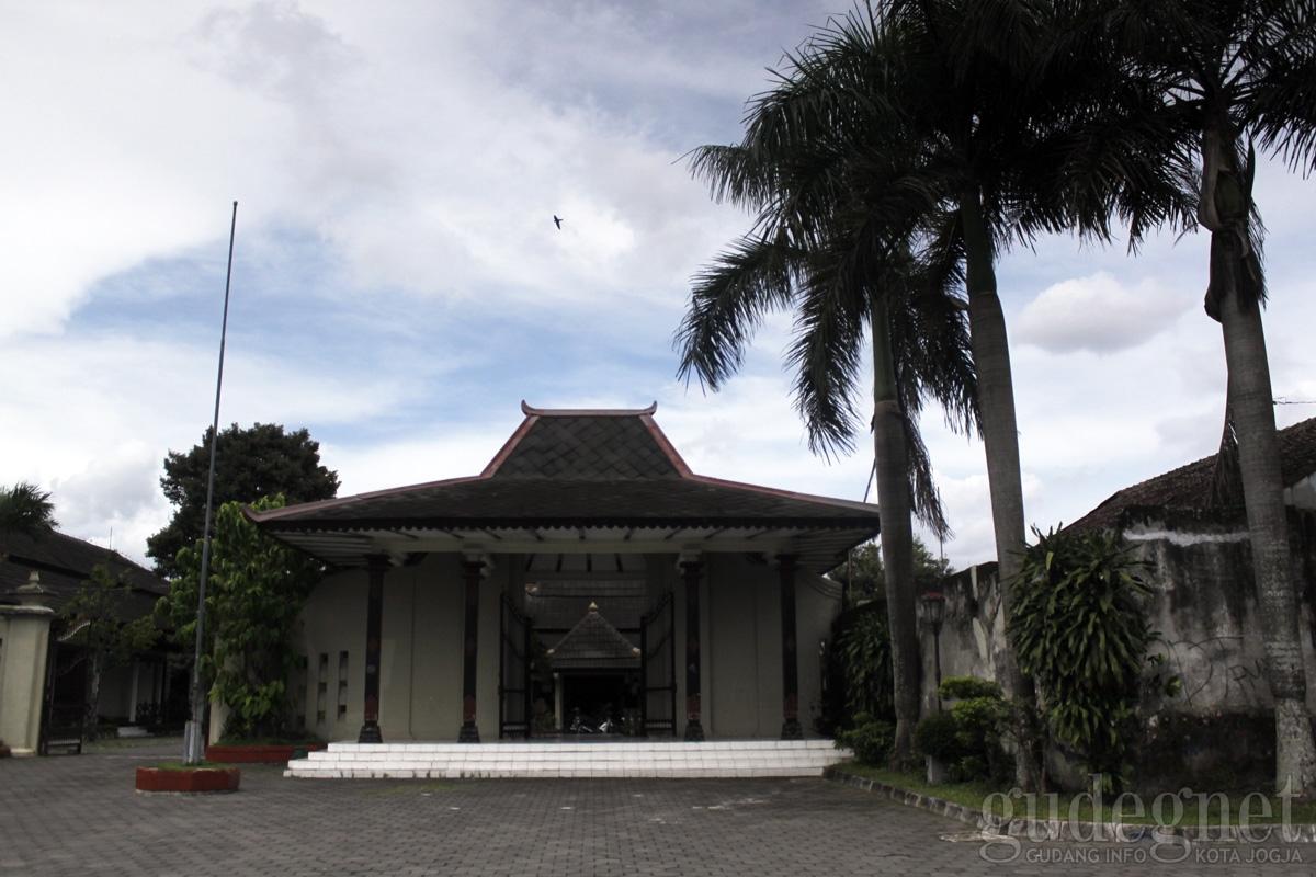 Museum Sonobudoyo Unit Ii Ndalem Condrokiranan Yogyakarta Yogya Galeri Kota