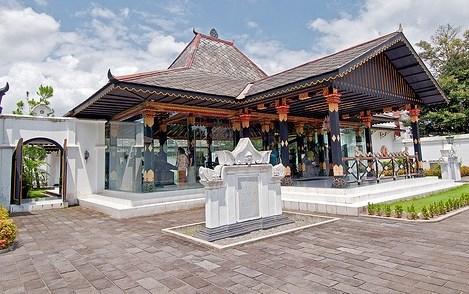 Paket Wisata Jogja 4 Hari 3 Malam Museum Sonobudoyo Unit