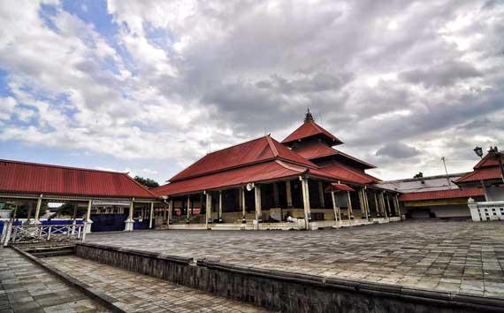 Masjid Gedhe Kauman Wujud Ketaatan Sultan Jelajah Wisata Sumber Gbr