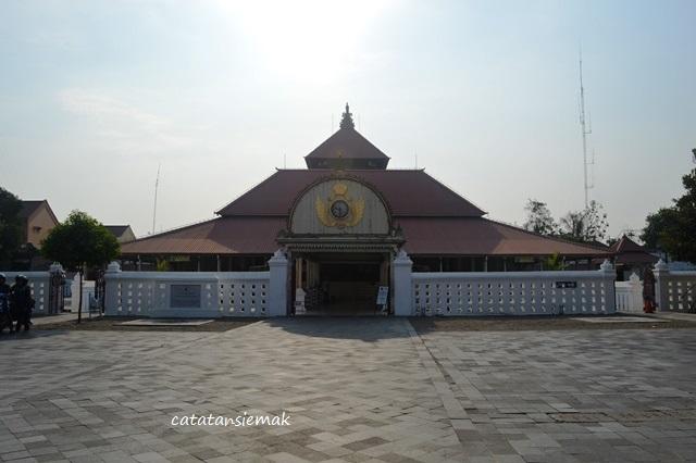 Wisata Sejarah Masjid Gedhe Kauman Catatan Emak Yogyakarta Kampung Kota