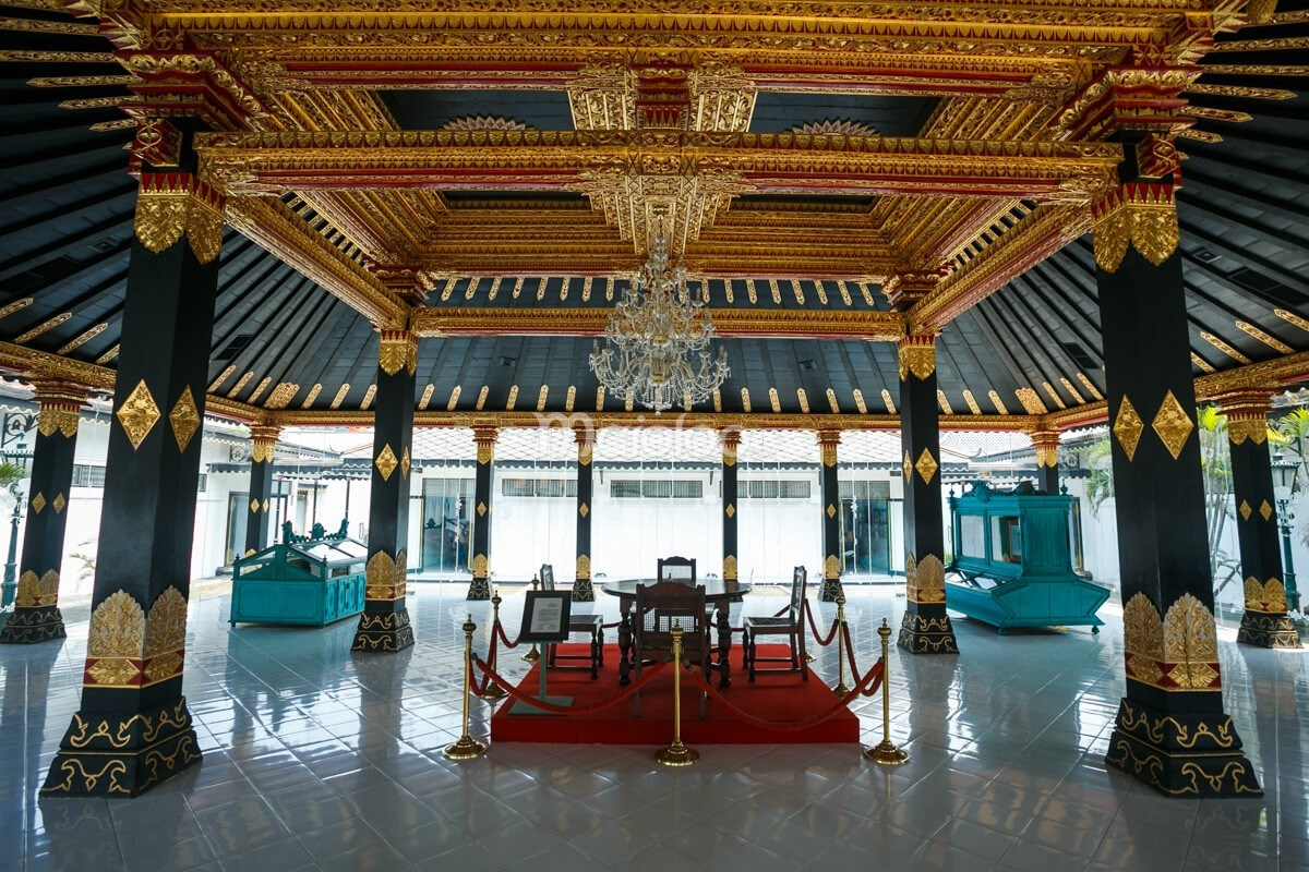 Keraton Yogyakarta Mozaik Sejarah Istana Raja Komplek Wisata Kota