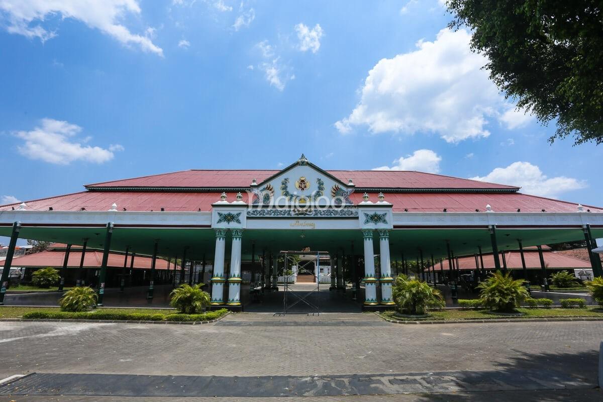 Keraton Yogyakarta Mozaik Sejarah Istana Raja Wisata Kota