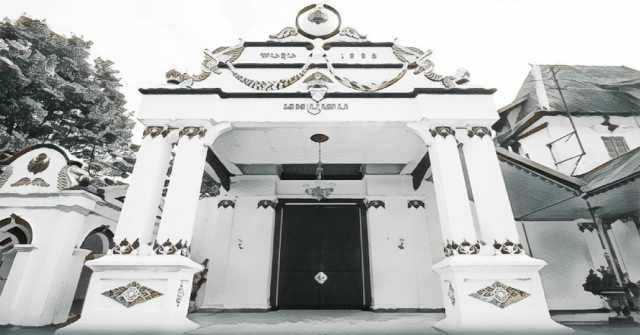 Kraton Yogyakarta Kerajaan Era Modern Wisata Jogja Keraton Ngayogyakarta Hadiningrat